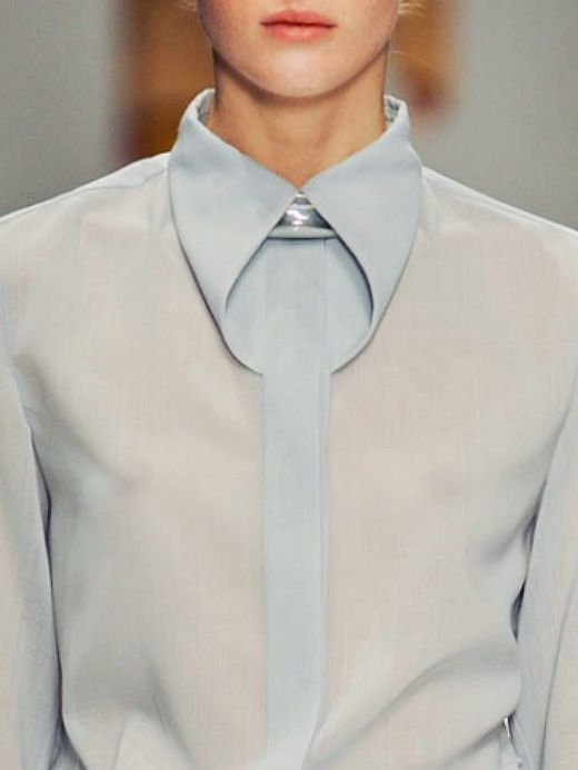 Issey Miyake f/w 2012 Love simplistic details like this.... it just works so well!!!