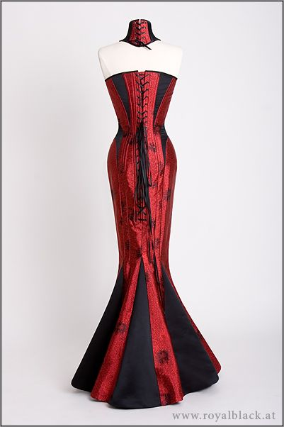Price:  Corset Gown from 1099,00 €*  Neck Corset from 69,00* from royal black