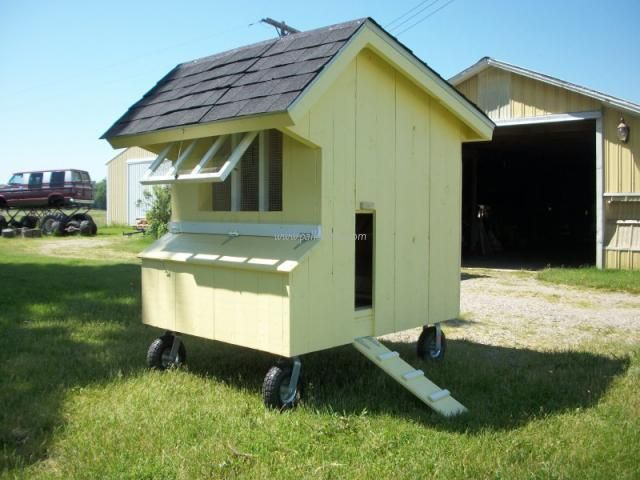 Best 20 mobile chicken coop ideas on pinterest portable for Movable pallets