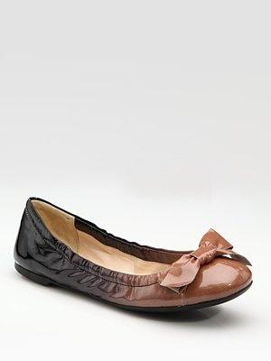 Prada flats - pretty with an edge: Flats Mystylepinboard, Design Shoes, Flatter Flats, Outfits Shoes, Prada Flats, Fantastic Flats, Ombre Fans, Ballet Flats, Shoes Accessories