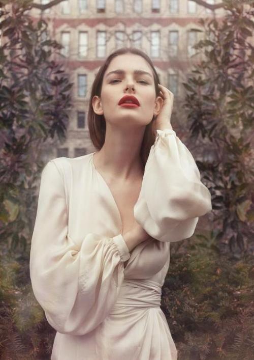 Ethereal Bride | Red Lip | European Wedding Inspiration | The Bridal Atelier | www.thebridalatelier.com.au