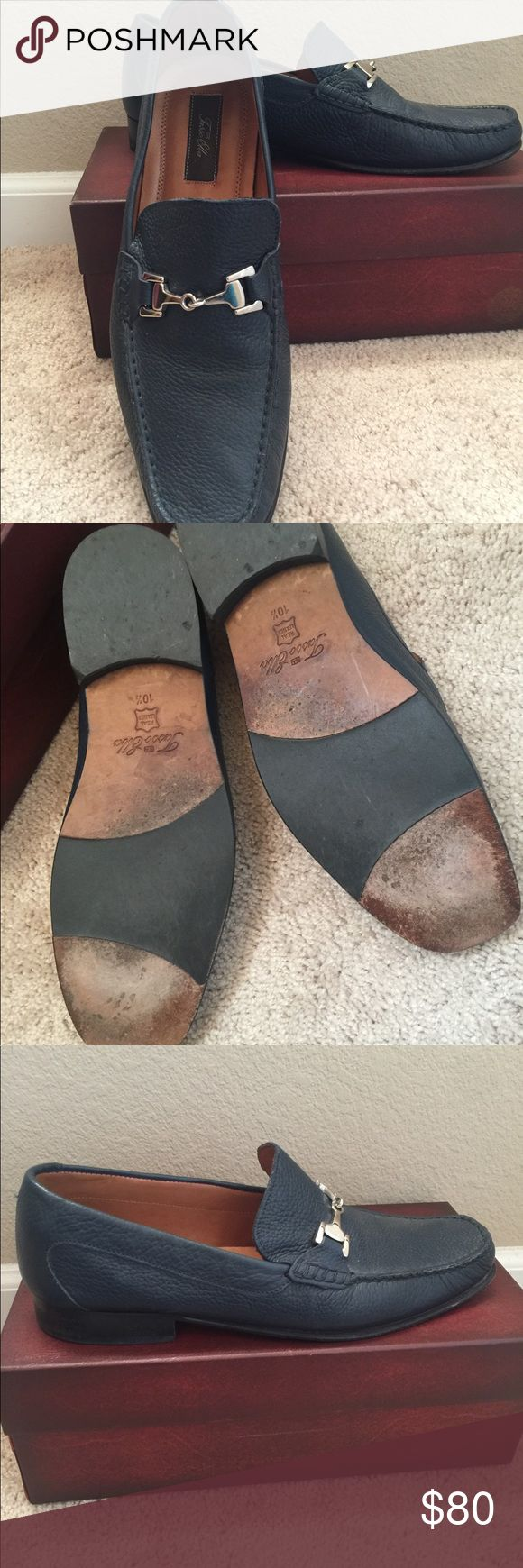 Tasso Elba Navy Loafers EUC Italian loafers. Worn only twice. They run 1/2 size large. Marked as 10.5 but fit like an 11. Tasso Elba Shoes Loafers & Slip-Ons