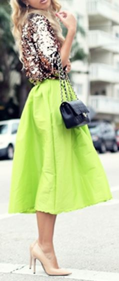 love this neon #yellow skirt http://rstyle.me/n/h38rer9te