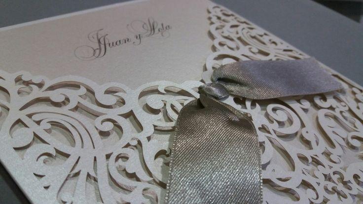 Romántica y rococó diseño invitaciones boda