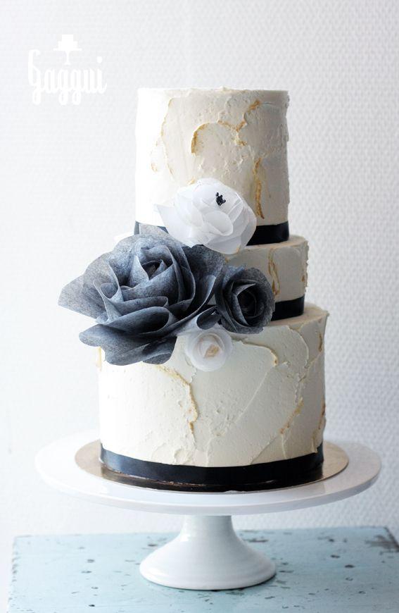 BlackWhiteGold Wedding Cake.jpg
