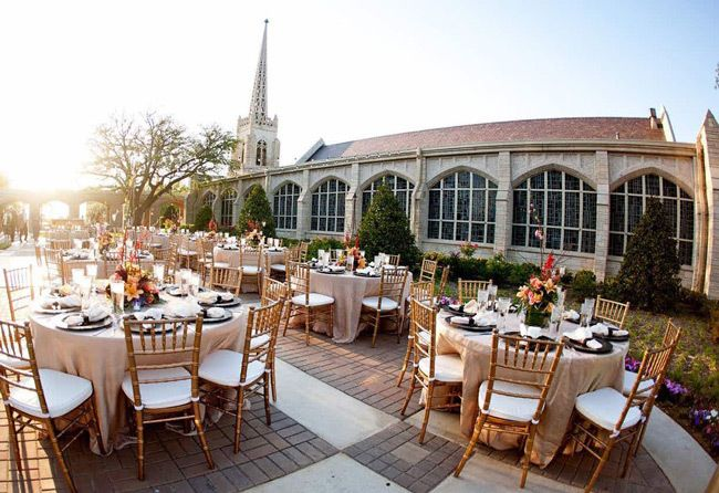 Affordable Wedding Venues That Don T Feel Cheap Here Comes The Guide In 2020 Affordable Wedding Venues Wedding Venues Texas Wedding Venues Indiana