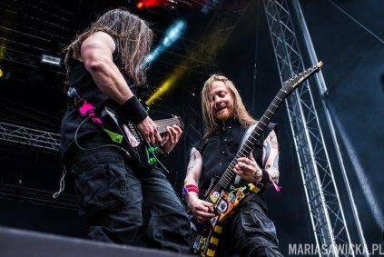 "Antti ""Hyrde"" Hyyrynen, Pekka ""Pexi"" Olkkonen of Stam1na guitar battle at Provinssi Festivaali 2015"