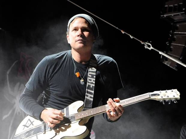 Blink 182 Member says #aliens exist and he knows about their mind-control experiments. #Spooky #paranormal #TimeTravel