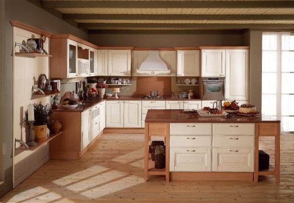 Murano reinterpreta in chiave attuale la madia della nonna, e le nicchie, le mensole e le boiserie non rispondono più soltanto ad un'esigenza funzionale, ma giocano un ruolo determinante nell'estetica dell'arredamento.