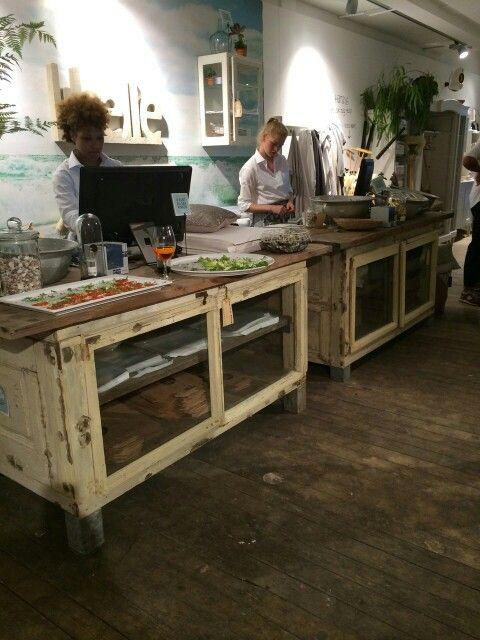 20 beste idee n over dressoir kookeiland op pinterest gerenoveerde kasten - Oude meubilair dressoir ...