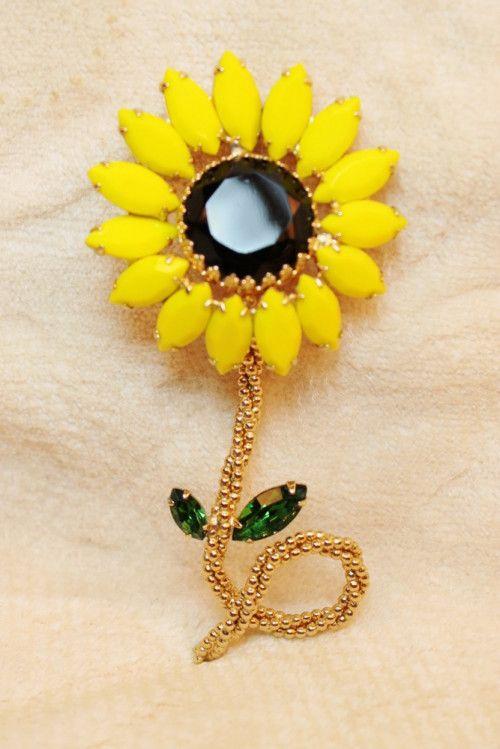 a2c4039e92c Vintage Weiss Yellow Sunflower Daisy Flower Statement Brooch Pin ...