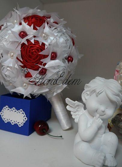 Оригинальный букет невесты из атласных лент в  красно-белой гамме. Купить или заказать букет невесты можно в Нарве. Доставка по всей Эстонии Информация: + 372 53 815 356