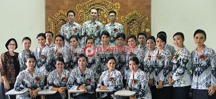 PGRI Denpasar Timur Juara Pertama Lomba Paduan Suara - http://denpostnews.com/2016/11/26/pgri-denpasar-timur-juara-pertama-lomba-paduan-suara/