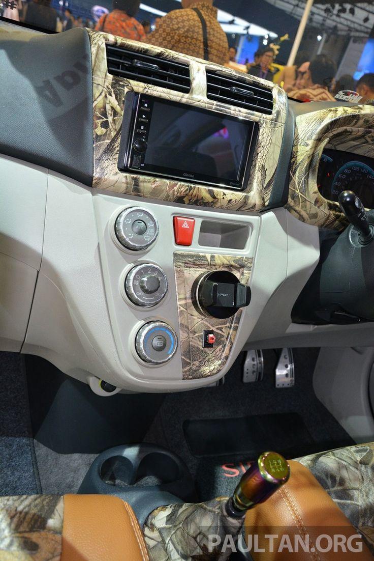 Daihatsu Sirion – modded Indonesian Myvis (interior)