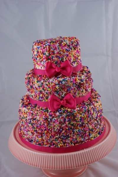 Sprinkles Birthday Cake! Great for a girls birthday! I want a sprinkle