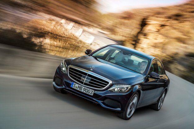 Mercedes z najlepiej sprzedającymi się samochodami w segmencie premium #Mercedes #BMW #Audi https://www.moj-samochod.pl/Nowosci-motoryzacyjne/Piec-najczesciej-kupowanych-aut-premium-w-Q1-2017-roku