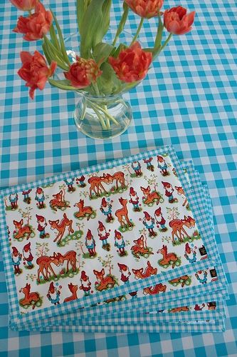 Tablecloth with coordinating placemats