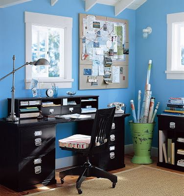 Home Office Interior Design Inspiration... Maybe to try this one at home.