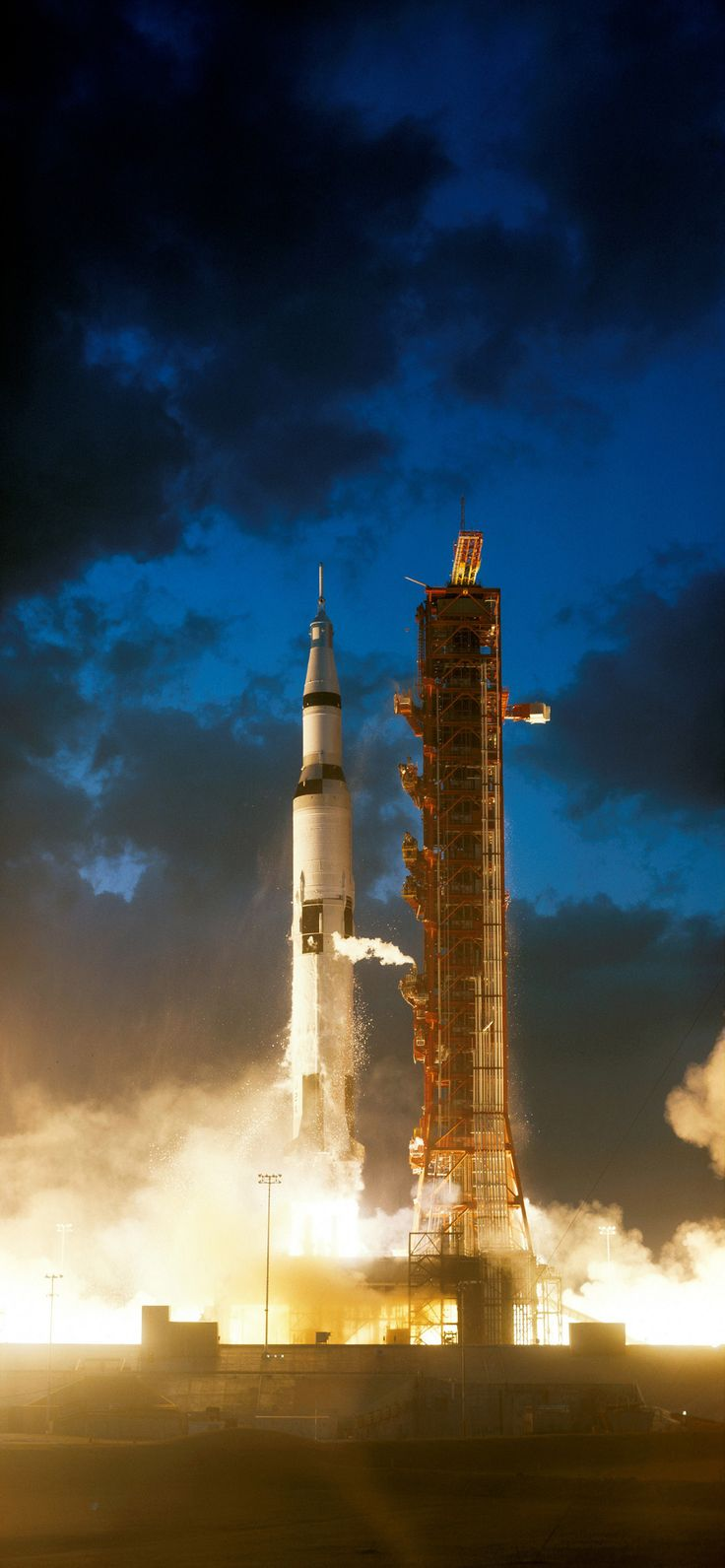 https://flic.kr/p/fpJ1Rg | Apollo 4 liftoff | The Apollo 4 unmanned mission lifts off from launch pad 39A at the Kennedy Space Center. This would be the first flight for the enormous Saturn V rocket that would eventually take humans to the Moon.  Image # : s67-50903