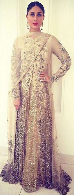 Kareena kapoor in Sabyasachi  ''Pinterest; @Littlehub [[Sabyasachi~❤。An Exquisite Clothing World]]