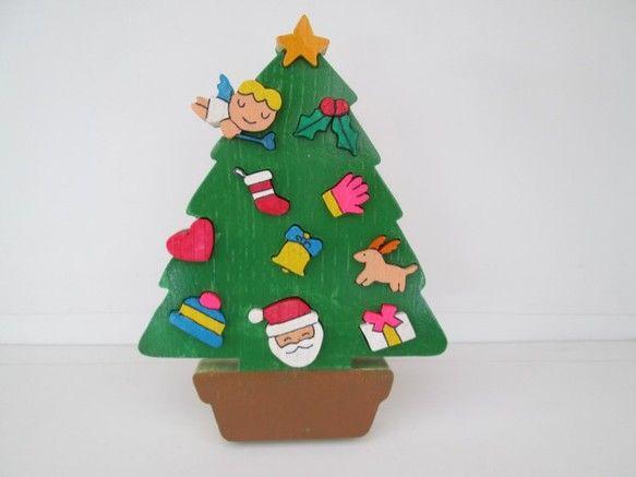 ハンドメイドクリスマス2014木製クリスマスツリーです、いつもテーブルに展示しましょうかたずけも簡単、お子さんのパズル(形合わせ)になりますH22 W16 D... ハンドメイド、手作り、手仕事品の通販・販売・購入ならCreema。