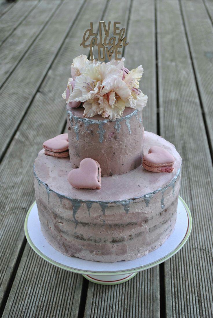 Forrest fruit drip cake