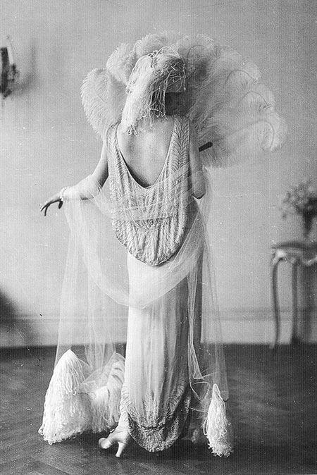 Vintage Fashion...Vionnet Flapper, 1920.
