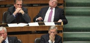 Das große Gähnen während der Rede: Auch im Parlament kommt das vor. Hier Wolfgang Schüssel 2011 bei einer Sondersitzung zur Wehrpflicht.
