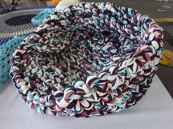 Вязаное кресло-подушка