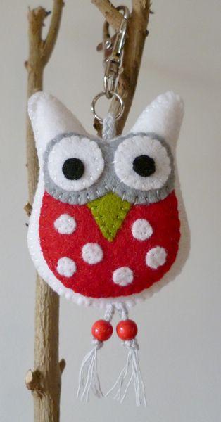 .felt owl keychain