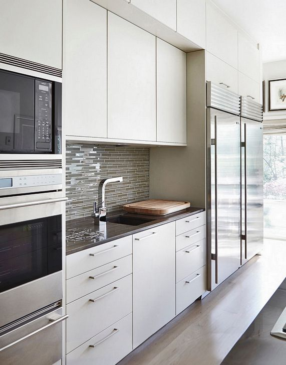 Poggenpohl houstons tatiana bacci designed this gorgeous modern poggenpohl kitchen in beige handleless on