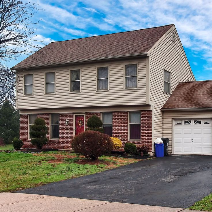 Looking for a nice home in York PA? Well take a look at 2195 Esbenshade Rd! It has a great layout and is located in a great neighborhood!  ... Listed by: Monti Joines w/ Berkshire Hathaway Home Services ... : Lindsey Steiner w/ @realestateexposures .... #YorkRealEstate #YorkHomes #PAhomes #PArealestate YorkPAhomes #YorkPArealestate #HomePhotography #RealEstatePhotography #Realtor #RealEstateAgent #NewListing #CentralPAhomes #CentralPA #HappyHome #House #Listing #PAlisting - Real Estate…