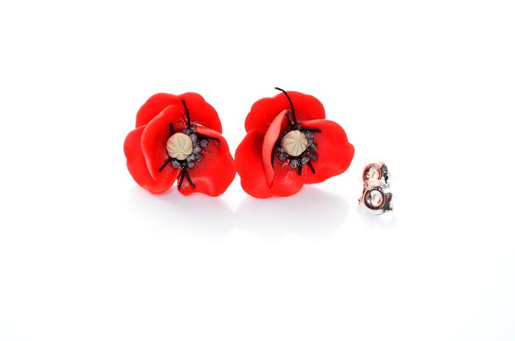 Poppy stud earrings By Innette  innette.etsy.com