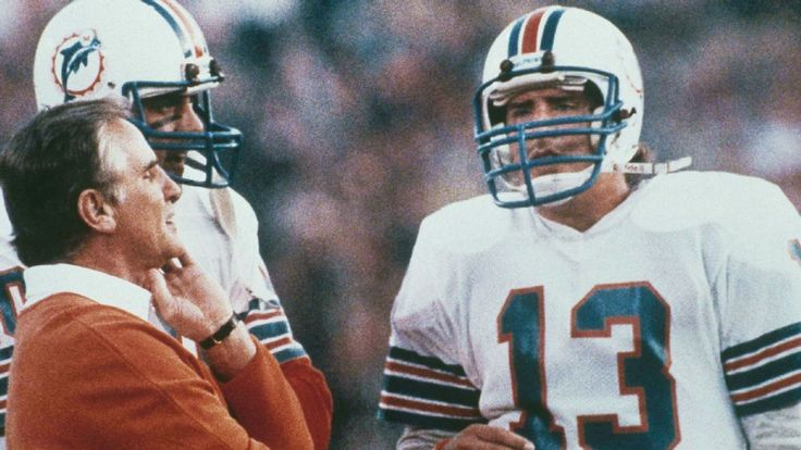 Marino was the first draft pick in the history of the United States Football League, selected by the Los Angeles Express.He did not sign with the team, choosing instead to sign with the Dolphins. After starting the season as a backup to incumbent starter David Woodley, Marino was given his first NFL start in Week 6 versus the Buffalo Bills. Marino and Miami lost that game 38 – 35 in overtime.