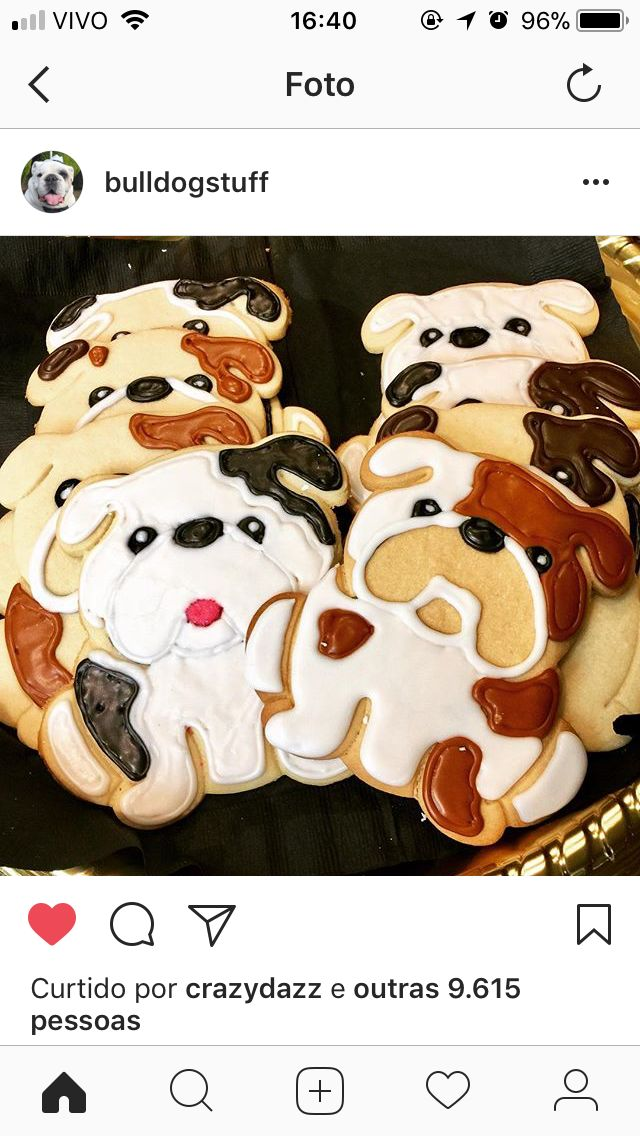 Omfg there are bulldogs cookies and my life just changed now