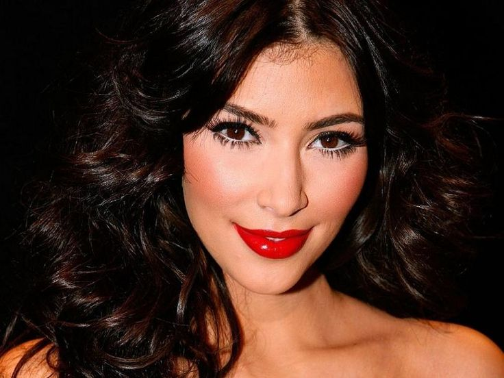 make up - maquiagem - batom vermelho - red lips - Resultados da Pesquisa de imagens do Google para http://www.moniquetrindade.com/blog/wp-content/uploads/2012/10/batom-vermelho-inspira%25C3%25A7%25C3%25A3o-kim-kardashian1.jpg