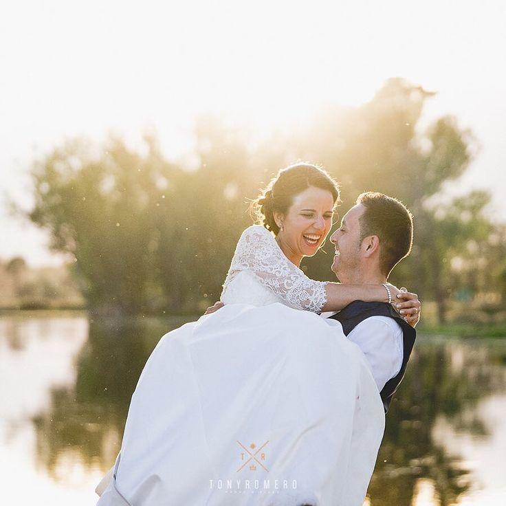 Atardeceres llenos de magia. #wedding #boda #bodamiryamysergio #boda en avila #amor #love #fotodeboda #fotografo #fotografodebodas #parejasquemolan #fotosbonitas #instalove #tonyromerophotographer #mywork #nofilter