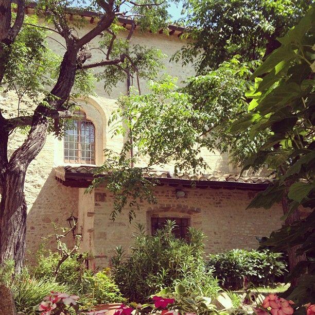 Giardino di Santa Chiara da Montefalco Monastero agostiniano di Santa Chiara #InMontefalco foto di @Cristina Bonetti