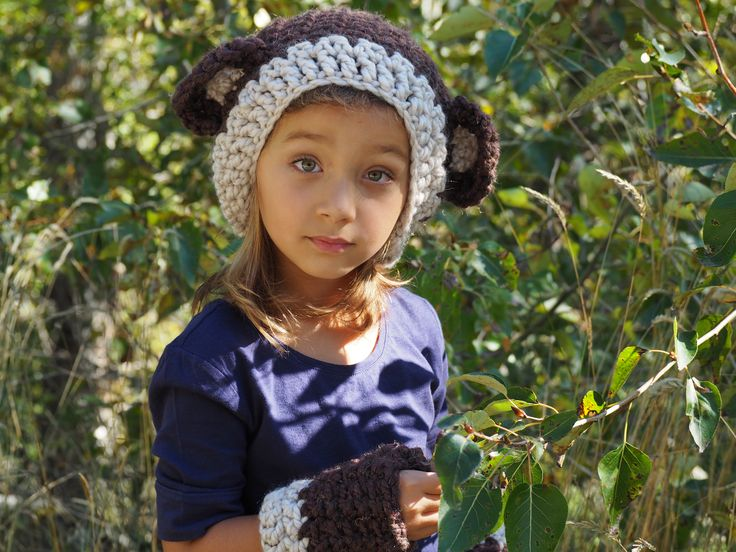 Fall accessories for kids http://classifieds.castanet.net/details/girls_hats_scarves_and_things..../2091264/