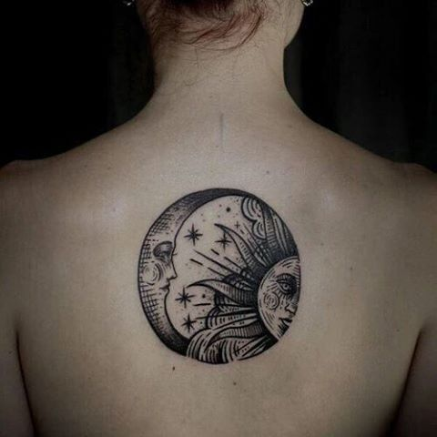17 meilleures id es propos de tatouages de la pleine lune sur pinterest tatouages de lune - Tatouage pleine lune ...