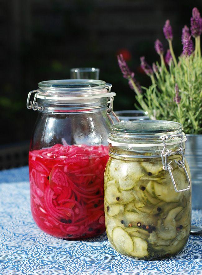 Syltede rødløg og agurkesalat