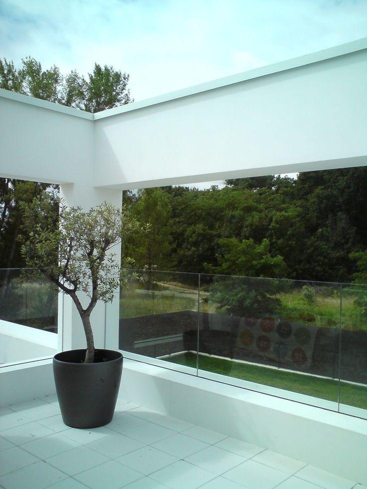 sklenené zábradlie v exteriéry
