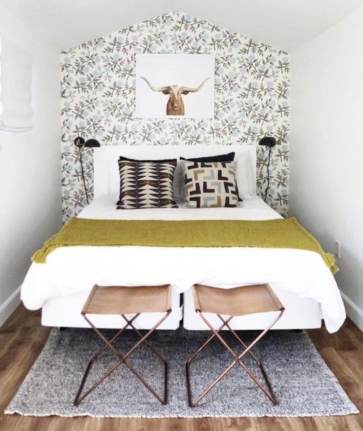 cool 40 Best Tiny Bedroom with Great Use of a Wall