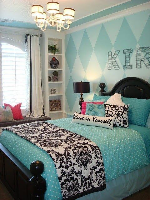 turquoise room! love this!