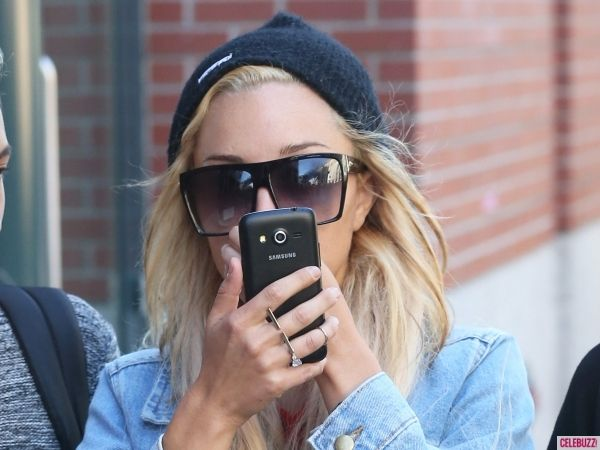 Amanda Bynes is Back on Twitter, Announces Future Plans and Addresses Rumors