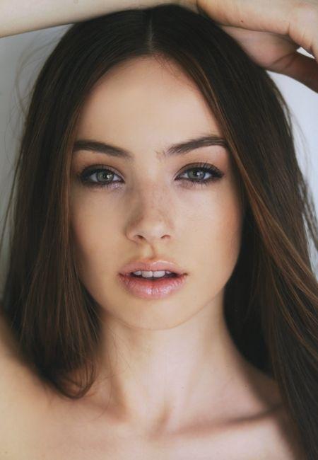 Beautiful natural full brows.  #AnastasiaBeverlyHills #AnastasiaBrows