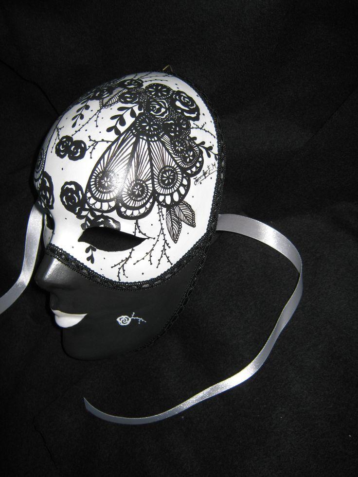 Venetian Artistic Mask. www.artjennifer.wordpress.com  #Venezia #Maschere #Venice #Masks #ArtisticMasks #VenetianMasks #Art #AcrilicPaintings #Carnival #JenniferEgista
