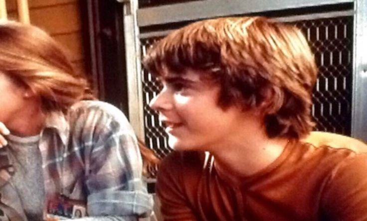 C. Thoams Howell (Ponyboy) I found this on E.T on the behind the scence!! I almost dided of cuteness when I saw this