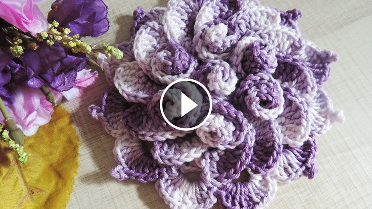 Hello everyone. I want to share withyou this video tutorial of how to crochet a spring flower.This video is made by Soraia Bogossianand explain you in minimal detail how to make this artwork. Complexity: Beginner Hope you like…