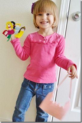 princess finger puppets free pattern: Castles Pur, Felt Fingers Puppets, Puppets Tutorials, Princesses Puppets, Adorable Princesses, Disney Princesses, Castles Bags, 20111014 047, Princesses Fingers